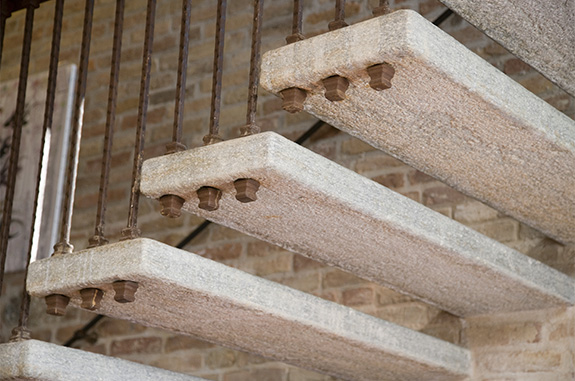 restaurare scale in pietra