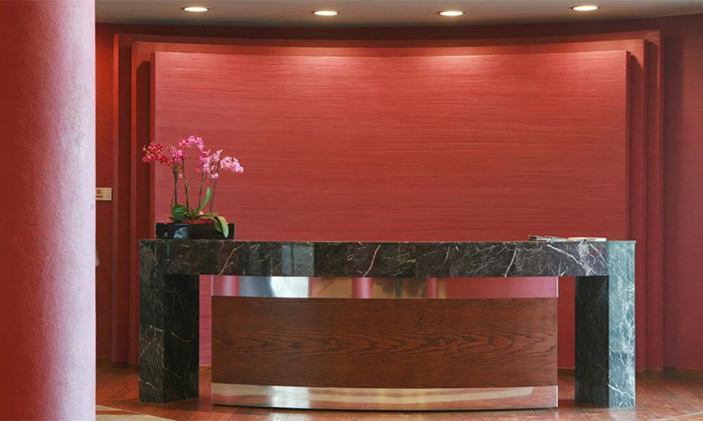 arredamento e banconi in marmo per locali, negozi, alberghi