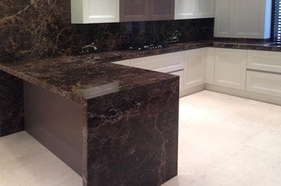 bancone cucina marmo