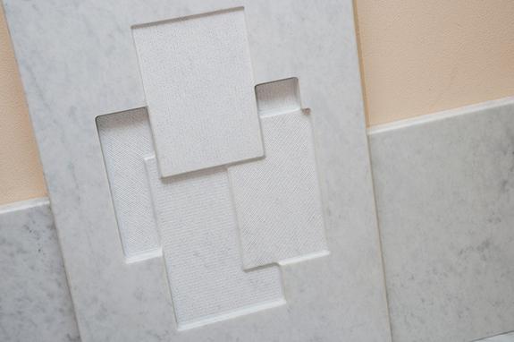 bassorilievo marmo bianco