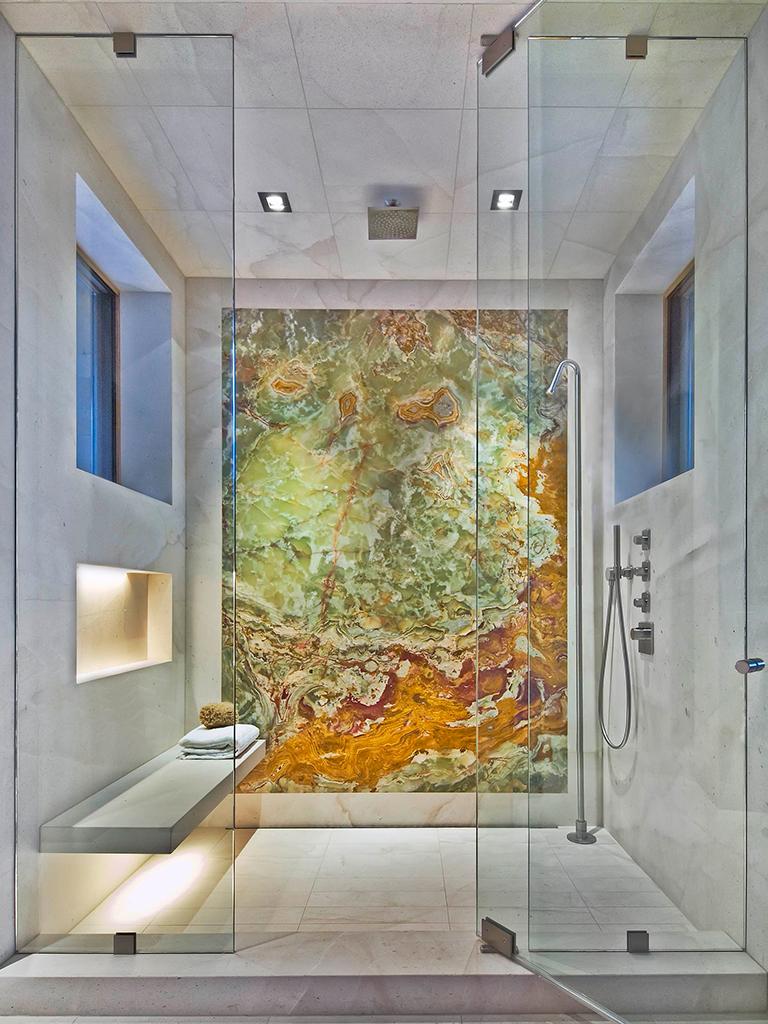 rivestimento in marmo box doccia bagno