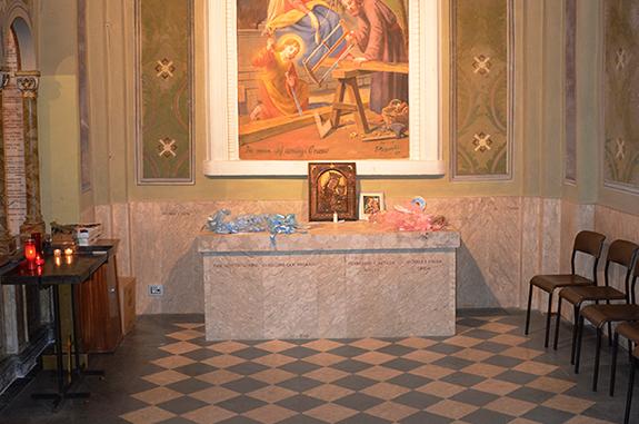pavimento in pietra chiesa