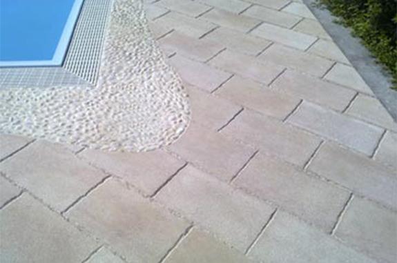 pavimenti in pietra per piscine ciotoli quarzite Gaya ipanema