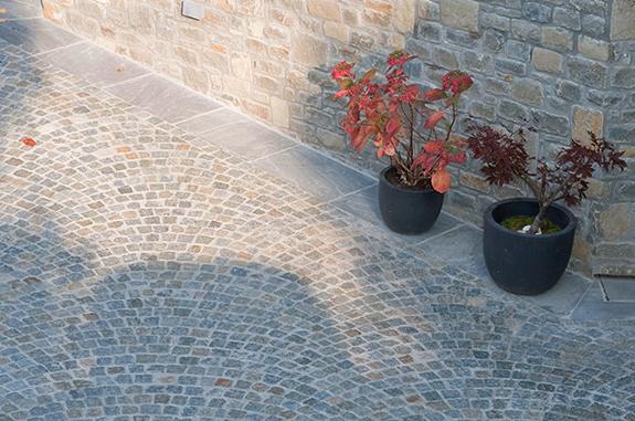 pavimenti per esterni cubetti pietra luserna