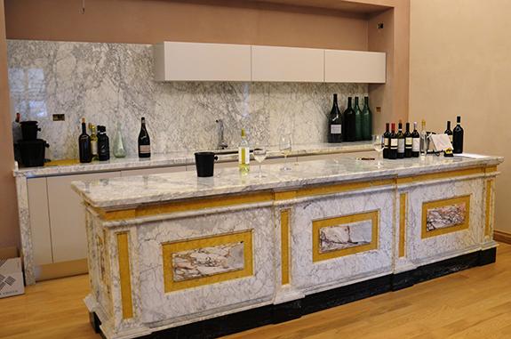 rivestimento cucina marmo arabescato