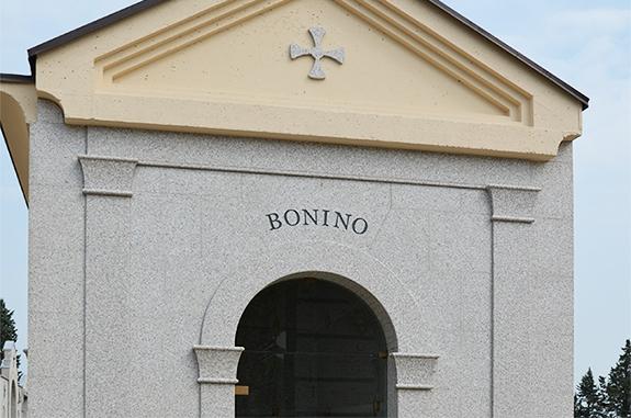 edicola funeraria cimitero granito rosa