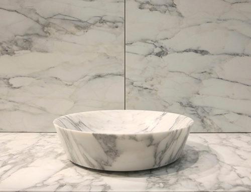4 ragioni per scegliere un rivestimento in marmo per bagno