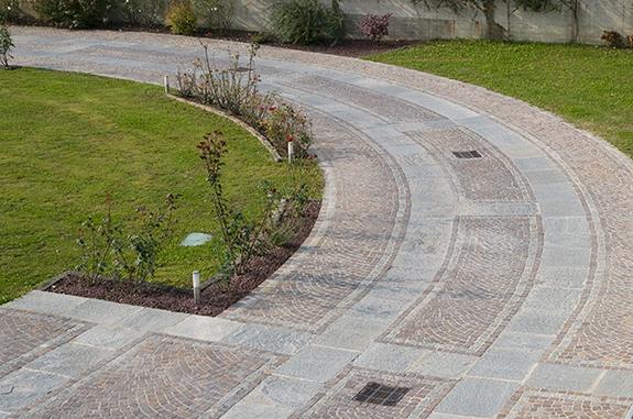 pavimentazione giardino in porfido e pietra luserna