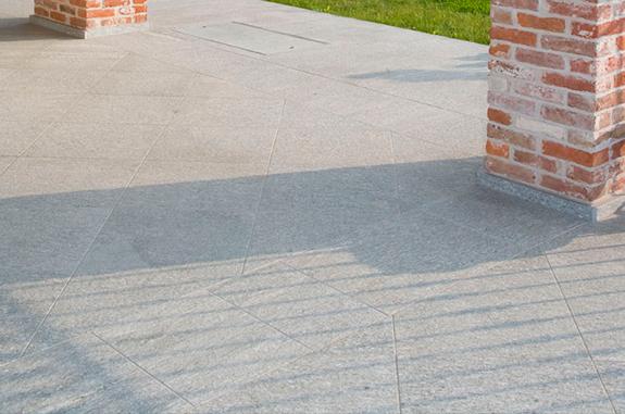 pavimentazione esterni pietra Luserna