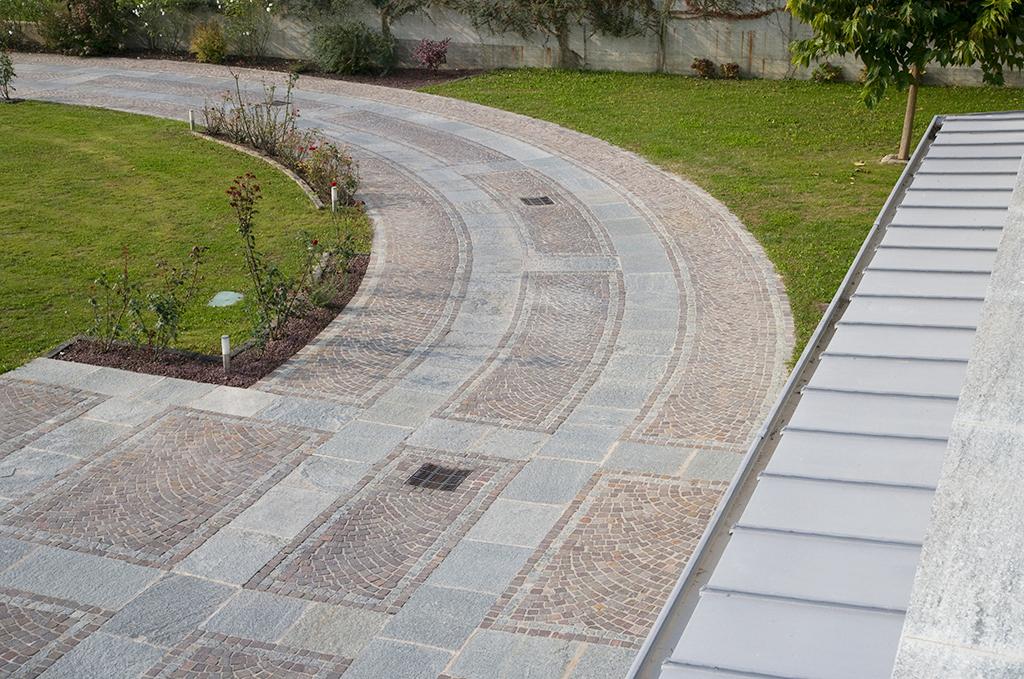 pavimentazione esterna pietra luserna e porfido