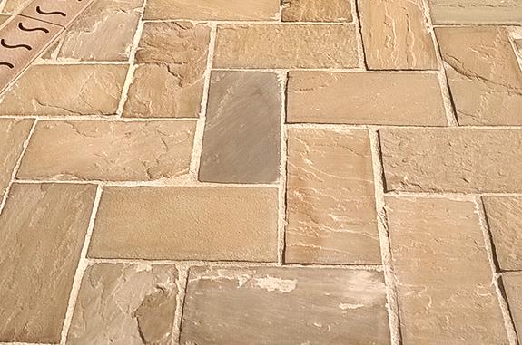 pavimentaione esterni in pietra quarzite gaja