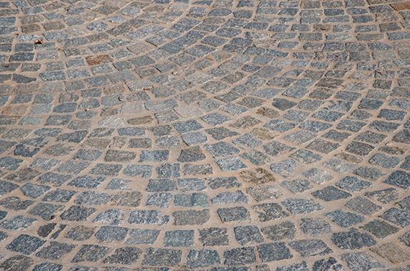 dettaglio pavimentazione esterni cubetti pietra san pietrini