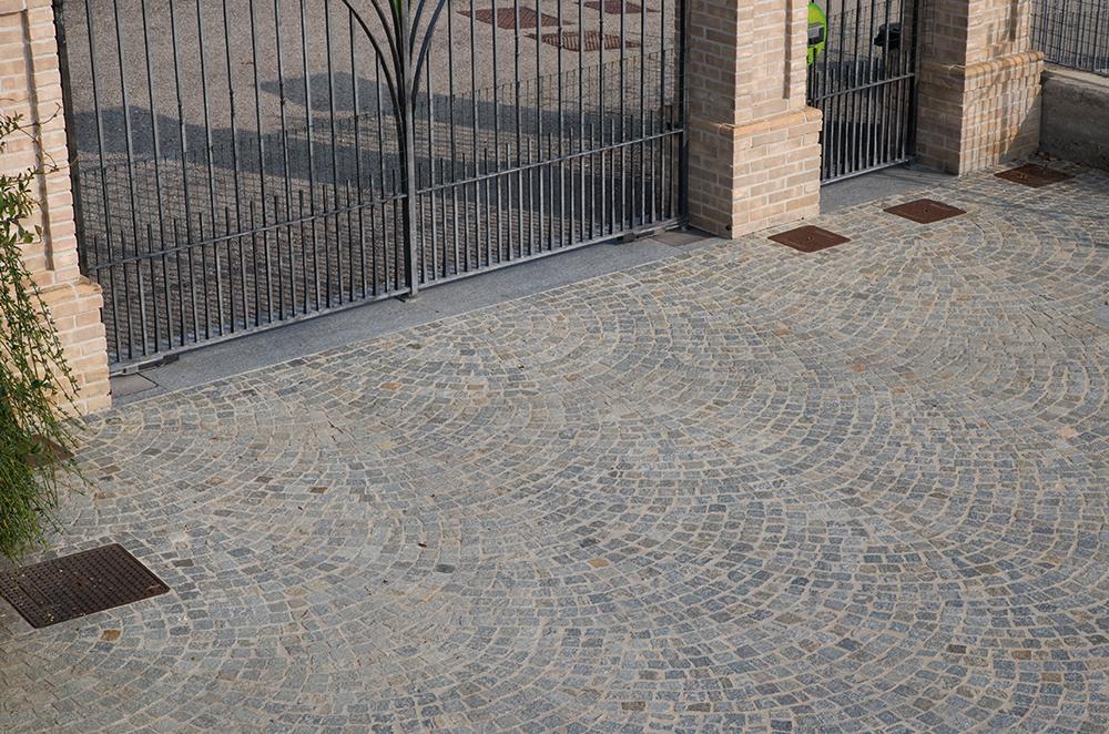 Pavimentazione esterna pietra pietre piastrelle per giardino e