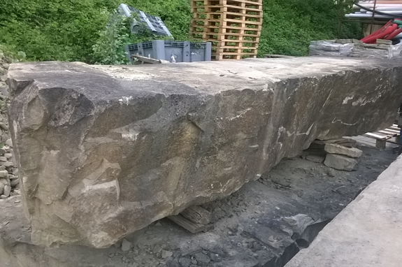 blocco di pietra per panca canalmarmi