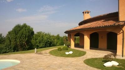 pavimento giardino e bordo piscina in pietra gaya