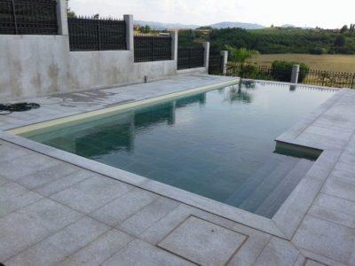 pavimentazione per bordo piscina in pietra di luserna
