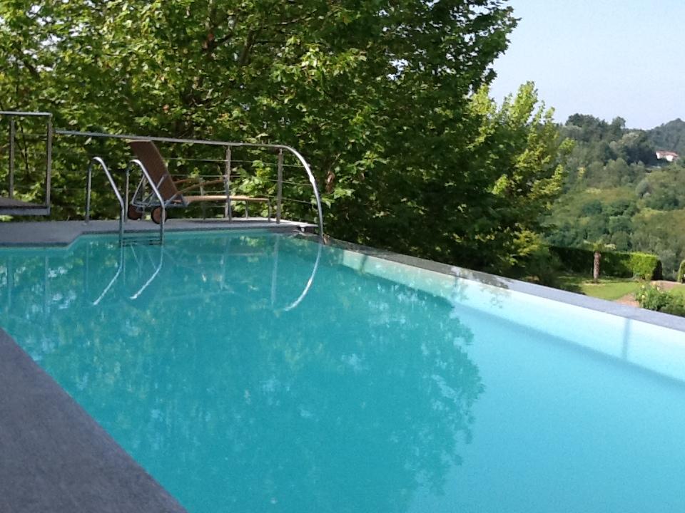rivestimento per piscina in pietra di luserna