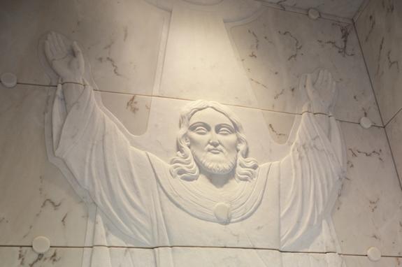 tomba funebre marmo incisione cristo