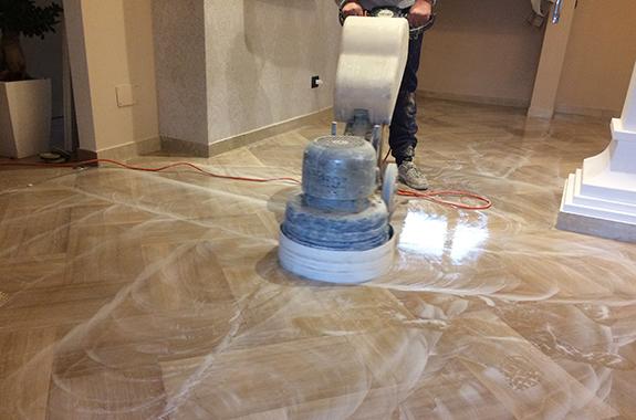 pulizia lucidatura professionale pavimenti in marmo