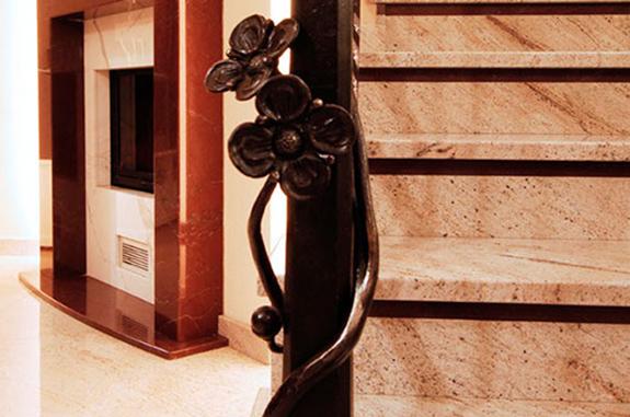 scale interne granito vincent shivakashi rosso laguna