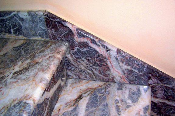 scale interne marmo fior di pesco carnico