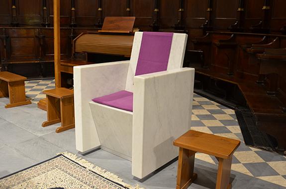 sedia chiesa marmo bianco