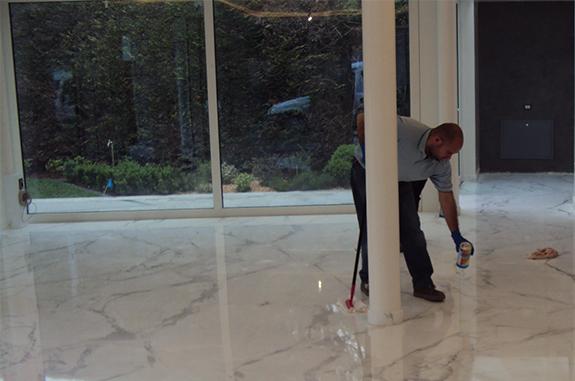 pulizia professionale pavimenti in marmo