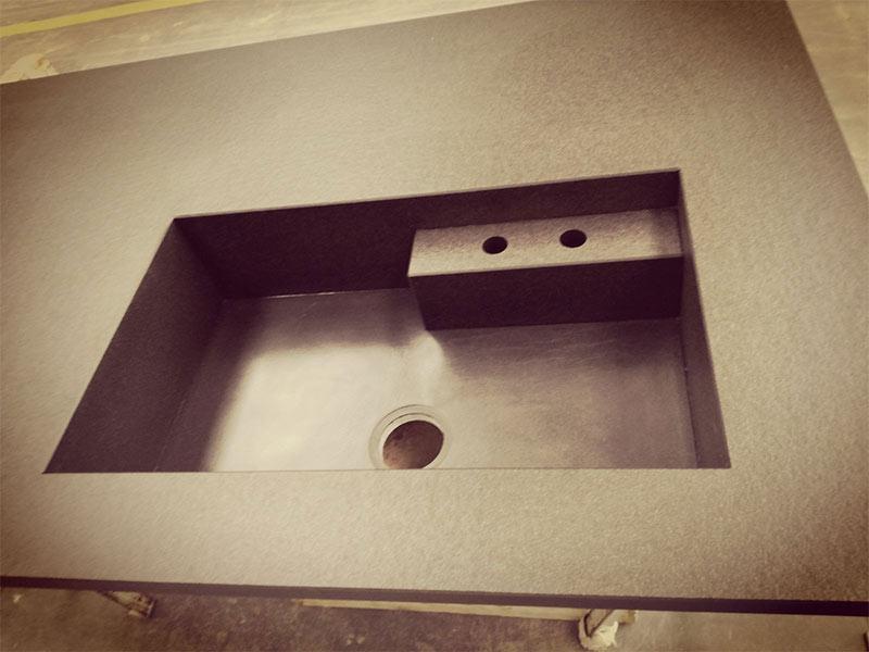 vasca integrata top cucina in granito nero assoluto
