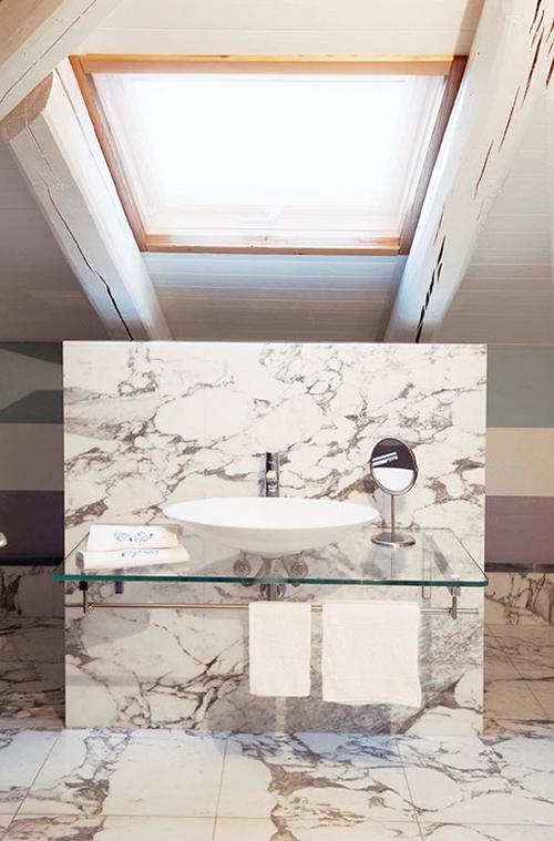 bagno marmo rivestimento