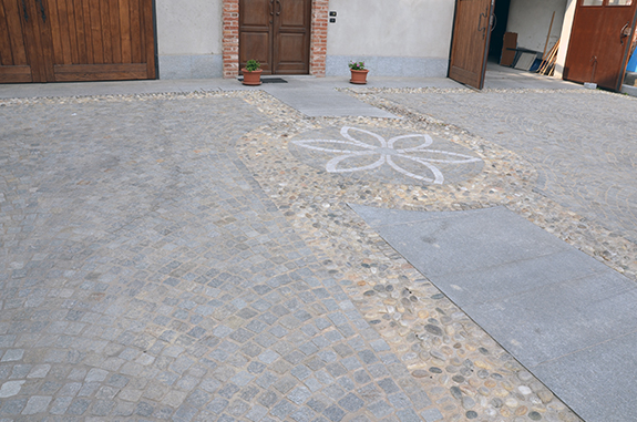 pavimento esterno lastricato e sampietrini