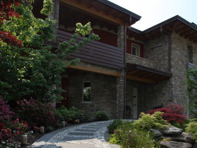 arredamento giardino con pietre per esterni