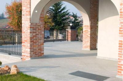 pavimento giardino in pietra serena