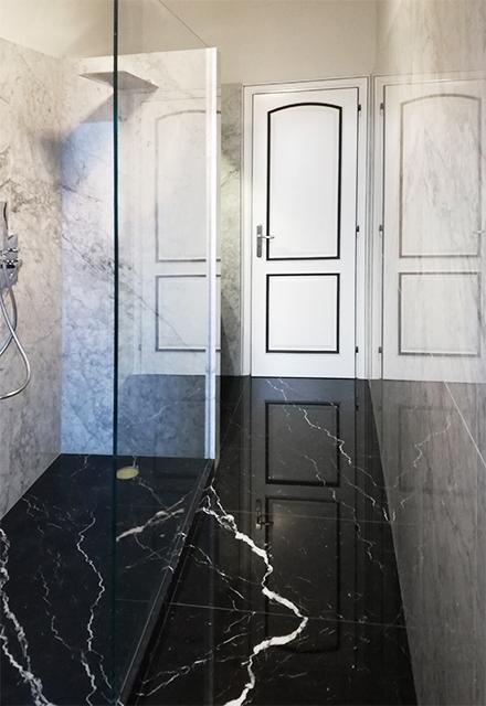 Bagno In Marmo Bianco Carrara E Nero Marquinia Canalmarmi