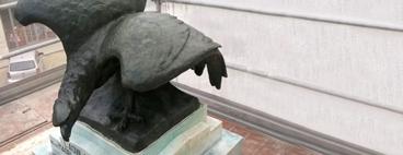pulizia monumento marmo bronzo